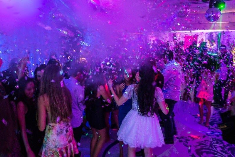 Para fazer uma festa de 15 anos bombar