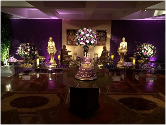 Festa de 15 anos em tons de lilás